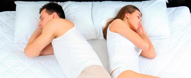 Niente sesso, siamo coppie: la crisi dell'intimità raccontata sui social