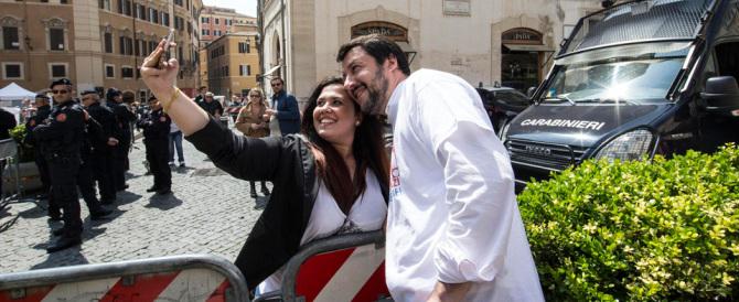 L'affondo di Matteo Salvini: «Renzi è fuori di melone, va subito ricoverato»