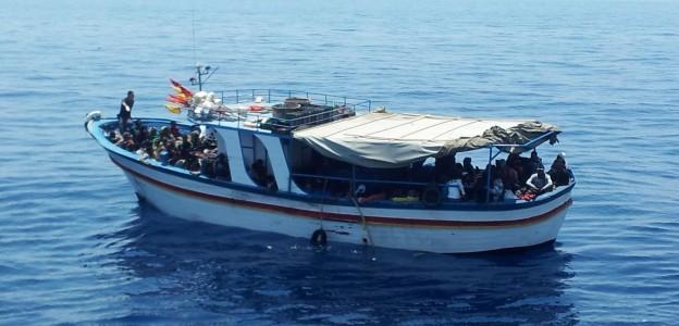 Nuova ondata di sbarchi. 1700 tratti in salvo, i gommoni ora arrivano in Puglia