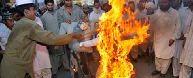 Orrore jihadista in Pakistan: a 14 anni arso vivo perché cristiano