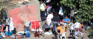 I carabinieri controllano un campo rom e trovano un evaso ricercato: arrestato