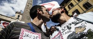 Ultima beffa dalla Ue: l'Italia deve risarcire le coppie gay e fare le unioni civili