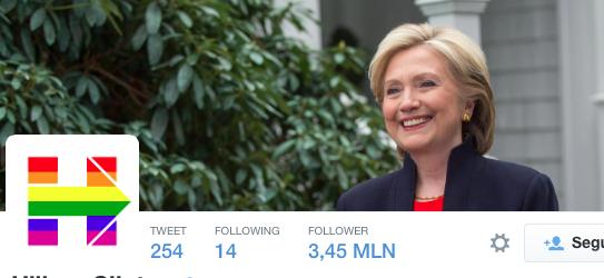 Hillary Clinton cambia pure il logo elettorale in favore delle nozze gay