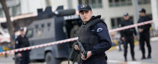 Turchia, nuovo blitz contro la rete dei presunti golpisti di Gulen: oltre 800 fermi