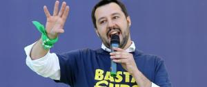 """Salvini: Facebook mi ha oscurato per avere scritto la parola """"zingari"""""""