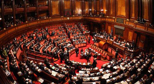 Scintille tra senatori campani di centrodestra: fittiani divisi su Caldoro