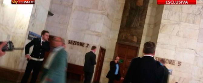 Spari al tribunale di Milano, Giardiello non risponde al gip