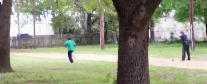 Usa, poliziotto uccide afroamericano: ecco il video choc che lo incastra