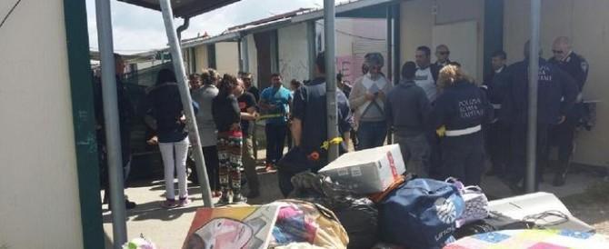 Nel campo nomadi di Castel Romano ancora finti poveri: sgomberati 30 rom