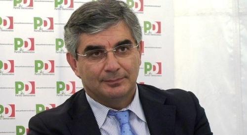 D'Alfonso (Pd) cita Alfredino nel pozzo. Esplode la polemica sul web