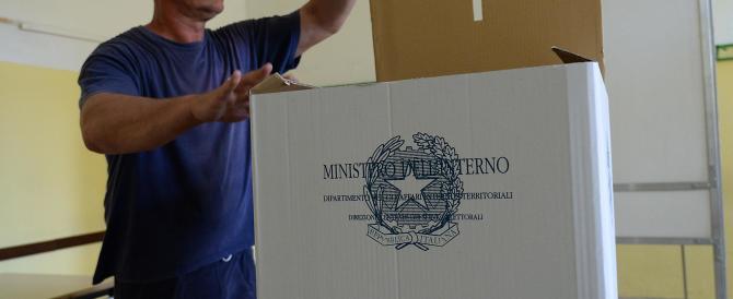Il centrodestra incalza Renzi: «Ora inviti gli elettori a non votare De Luca»