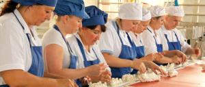 Istat, in due milioni e mezzo di famiglie lavorano solo le donne