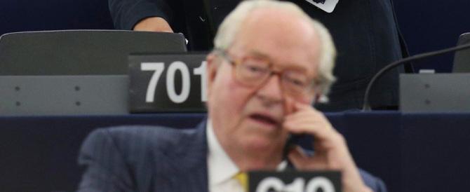 """Jean-Marie Le Pen, """"cacciato"""" da Marine, diventa l'idolo della sinistra"""