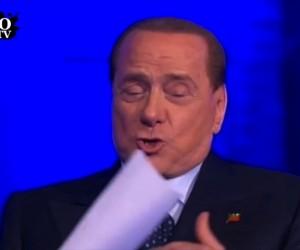 Berlusconi punge Fazio: sei vecchio, tagliati la barba bianca (Video)