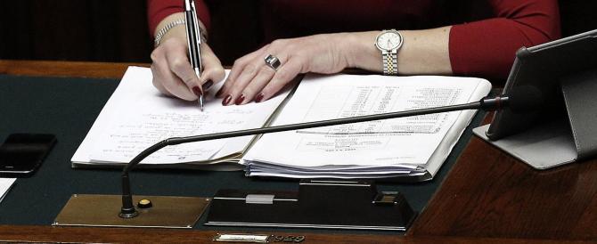 Scuola nel caos, stop del garante al blocco degli scrutini: è illegittimo