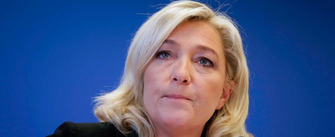"Marine Le Pen: ""Frontiere chiuse, quei barconi vanno respinti"""