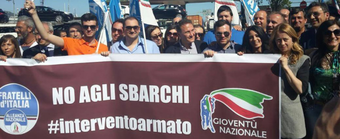 Ancora sbarchi, sit-in di FdI al porto di Salerno: in arrivo 650 migranti