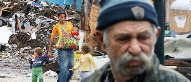 «Il bonus casa va dato pure ai rom»: la giunta Marino torna alla carica