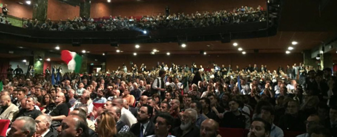 """Salvini a Berlusconi: """"Dopo il voto, subito le primarie del centrodestra""""."""