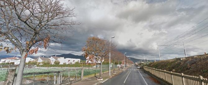 Albenga, anziano muore travolto da auto: multato dai vigili dopo il decesso