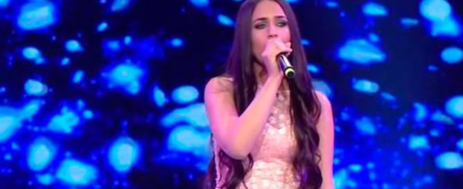 Cantante turca in fin di vita: le sparano in testa perché partecipa a un talent