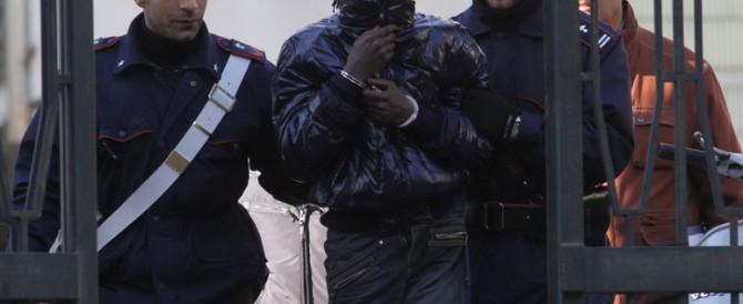 Aveva accoltellato un carabiniere: senegalese fuori dal carcere in 24 ore