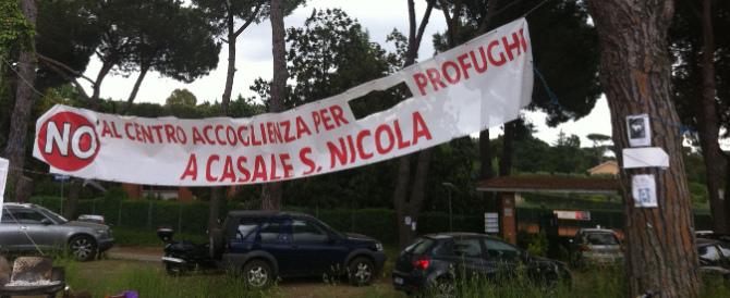 Roma, il centro rifugiati finisce sotto sequestro. FdI: si faccia altrove