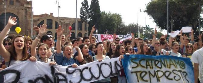 Docenti in piazza in sette città: sarà il più grande sciopero di sempre