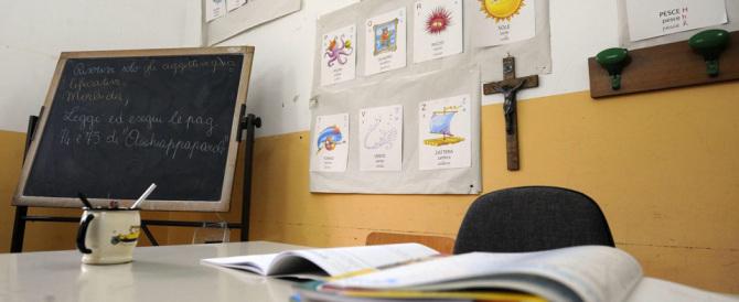 Sondaggio a scuola: volete crocifisso e benedizione? Il sì vince su atei e islamisti