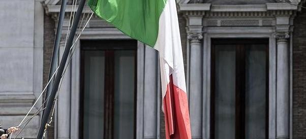 24 maggio, a Bolzano niente tricolori: così vuole la Svp. E il Pd si adegua