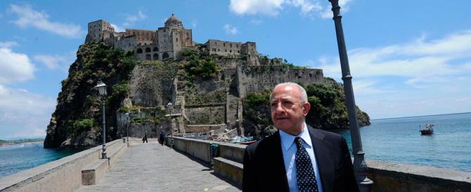 Ecco la prima decisione di De Luca in Campania: condono per tutti