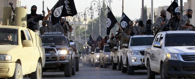 Libia, Tobruk minaccia l'Isis: bombarderemo le navi non autorizzate