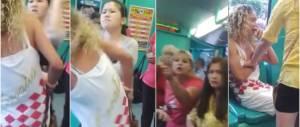 La rom cerca di borseggiare due cinesi in tram, finisce malissimo (Video)