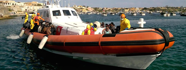 Un'imbarcazione della Guardia costiera