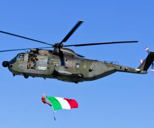 Caccia Typhoon ed elicotteri HH-3F in saldo: cercasi compratori
