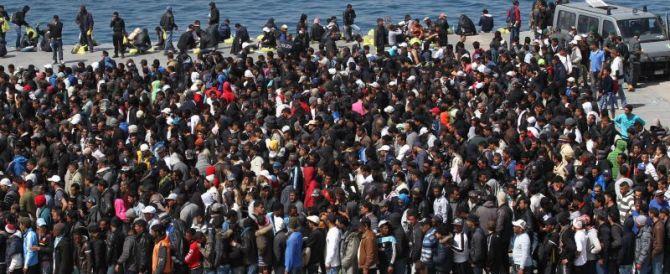 Immigrazione, nuova beffa per l'Italia: niente quote. L'Europa: è affare vostro