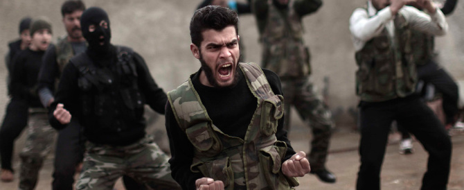 Isis, decapitati altri dieci soldati siriani e aumentano le truppe del terrore