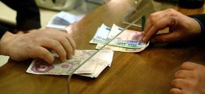 Berlusconi: «Se l'euro non cambia, il ritorno alla lira sarà inevitabile»