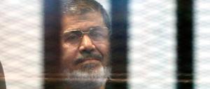 Egitto, sentenza a sorpresa: l'ex presidente Morsi scampa alla forca