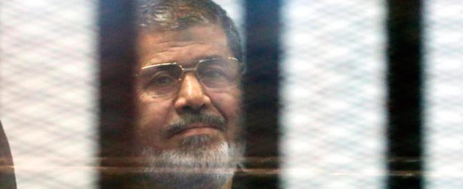 Egitto: l'ex presidente Morsi condannato a morte per evasione