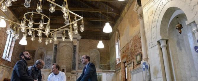 Chiesa-moschea nel cuore di Venezia. Ma l'artista non aveva il permesso