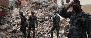 Nepal, la terra torna a tremare: 36 morti in Nepal e 10 in India