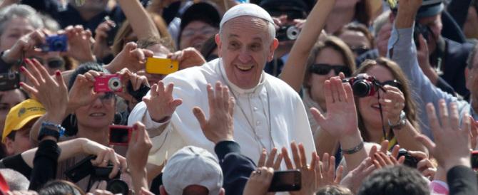 Il Papa: «Anche io dissi una parolaccia alla maestra. Poi a casa…»