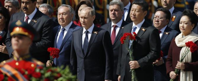Imponente parata a Mosca. Putin: «No a un mondo americanizzato»