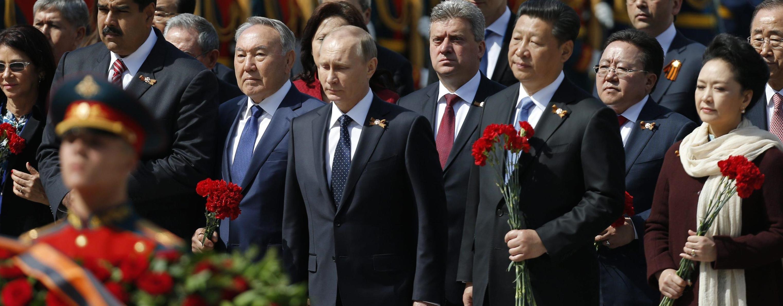 Il presidente russo Vladimir Putin alla parata sulla piazza Rossa