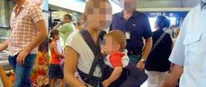 Picchiata nella metro di Roma da una baby gang di rom: «Volevo fermarli»