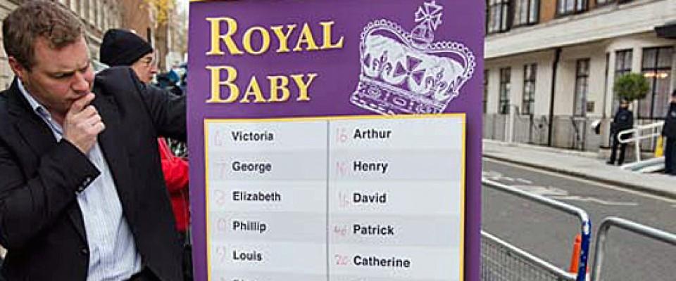 Londra, urlo della folla: «It's a girl!». È nata la royal baby, si scommette sul nome