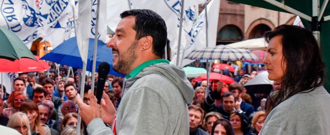 Salvini contro la Boldrini: «Se criticate i campi nomadi, vi fa bombardare»