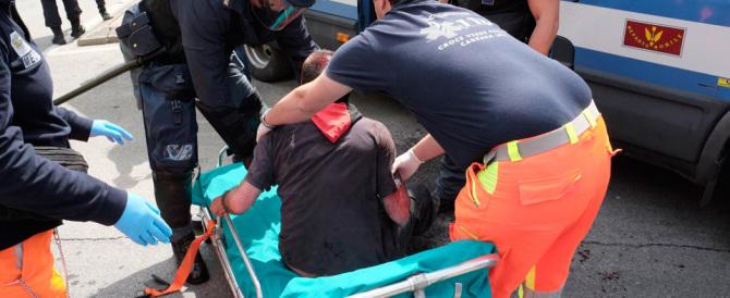 Salvini a Massa, i centri sociali provocano incidenti. Due feriti