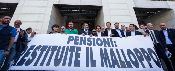 """Salvini """"occupa"""" il ministero dell'Economia: «Siete ladri di pensioni»"""